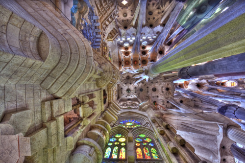 smithsonianmag:  Photo of the Day: The Sagrada Familia in Barcelona.  Photo by: Agnieszka Furtak (Chicago, Illinois); Barcelona, Spain