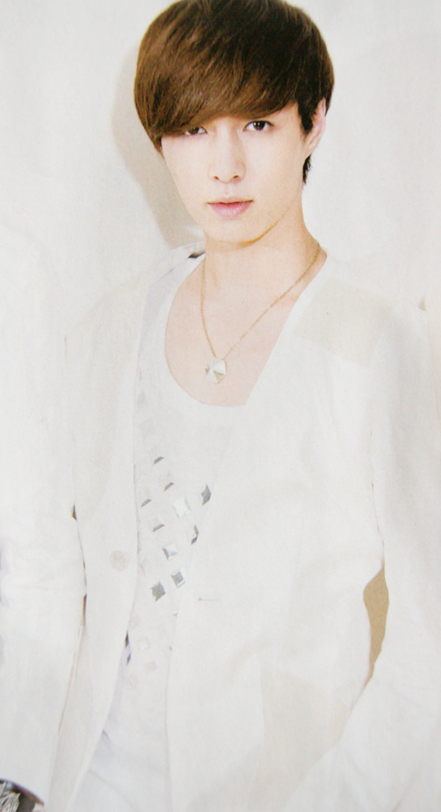 yixingindonesia:  [SCAN] LAY - MAGAZINE cr: nytiffany891020