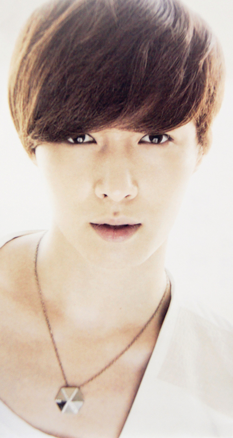 yixingindonesia:  [SCAN] LAY - MAGAZINE (1) cr: nytiffany891020