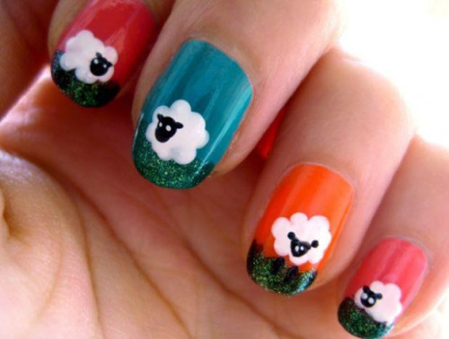 bitchinknit:  Baa baa sheep nails!  Might do this tonight.  ^_^