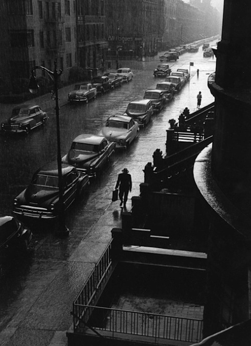 luzfosca:  Ruth Orkin  New York, 1952