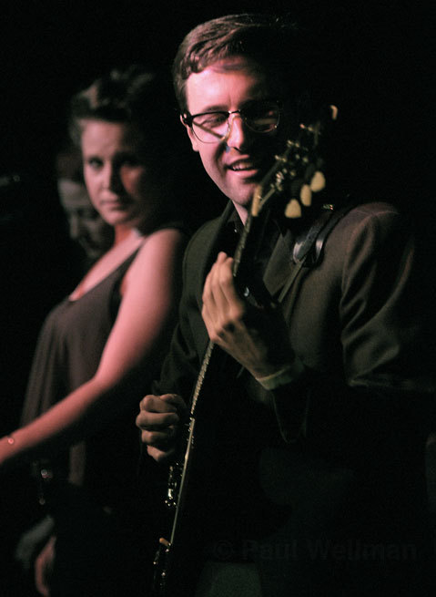 photofinishmusic:  Nick Waterhouse Preforming on Stage  my heart