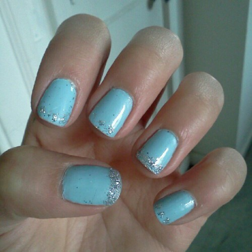 Did my nails then realized they reminded me of Cinderella. Yay! #disney #princess #love #blue&glitter (Taken with Instagram)