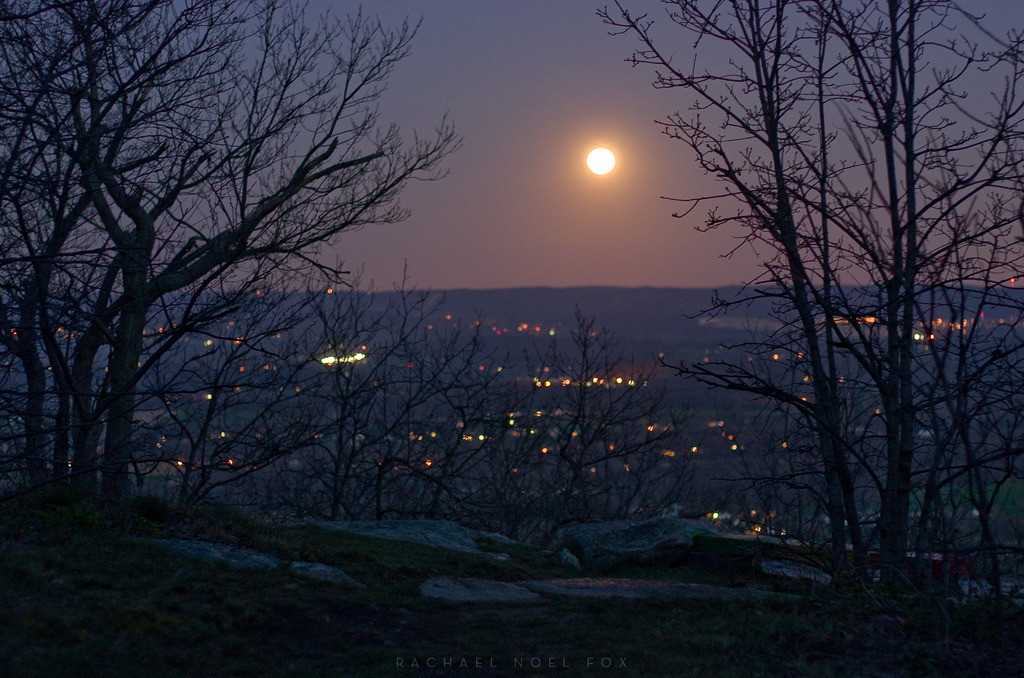moonrise/sunrise on Flickr. FLASHBACKLOG: April 6th 2012 the moonrise view from sunrise mountain.
