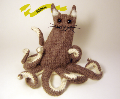 curiouscraftsy:  It's a cat. It's an octopus. No…it's an Octopuss!  Dude. I want to make one of these.