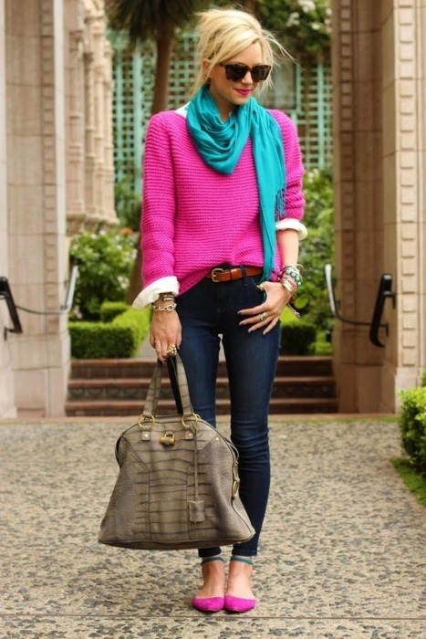 #PinterestFashionFind: Super comfy hot pink sweater & skinny jeans. Source: Atlantic-Pacific fashion blog.