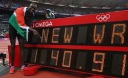 David Rudisha, breaks the world record in the 200M