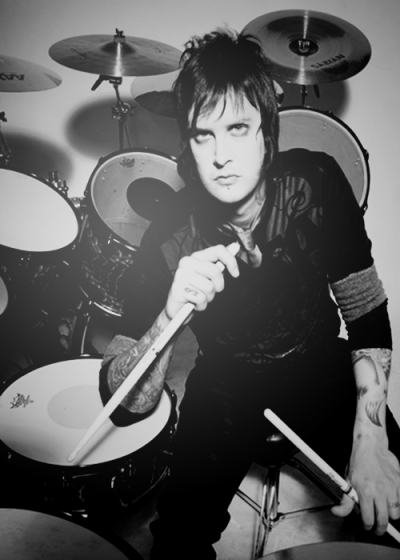 rock-and-other-drugs:  3/50 pictures of Avenged Sevenfold {x}