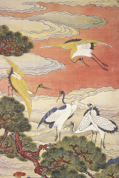 chasingtailfeathers:  The Ten Symbols of Longevity (detail), Korean, Joseon period, c. 1881. Ten-panel folding screen, ink and color on silk.   Murray Warner Collection of Oriental Art.