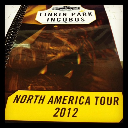 linkinpark:  The @HondaCivicTour starts this weekend. Looking forward to see everyone at the shows. (Taken with Instagram)  I wanna see this show so effin bad!!!!!!!!!!!!