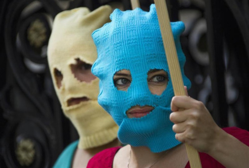 warrenellis:  Pro-Pussy Riot protestors (Reuters)  … look just like middle-aged Chinese women at the beach.