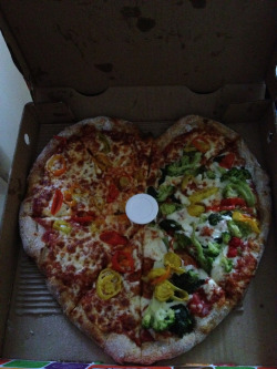just sayin, if a guy got me a heart shaped pizza, he'd be gettin it in, no questions asked.