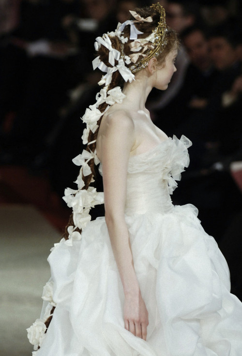 supermodel-legs:  thewakeupcall:  Lily Cole @ Christian Lacroix Spring 2006 couture.  queue