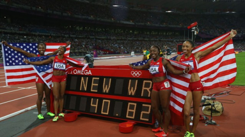 U.S. smashes women's 4x100 mark