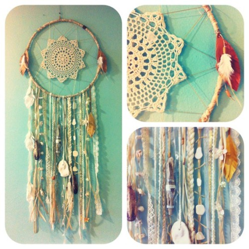 How beautiful is this? Crochet Dream Catcher from LoveIt Follow Livfoxx