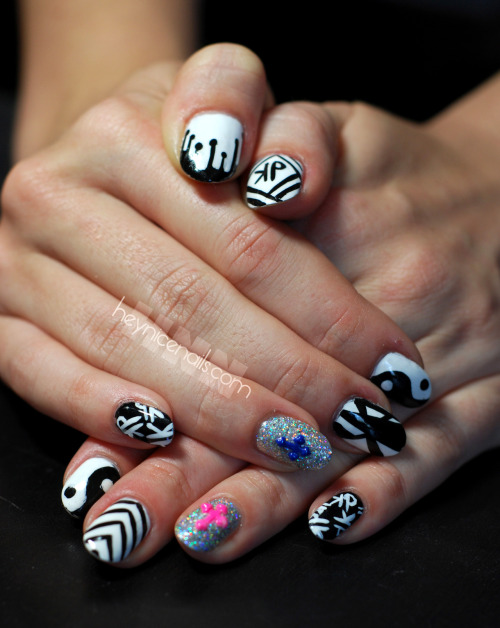 These are Donne's fabulous nails she painted for her sexy music man Kill Paris. His show Wednesday at Elevate Lounge in DTLA was amazing and the nail sets were a big hit. Any remaining sets will be traveling on the road with him!