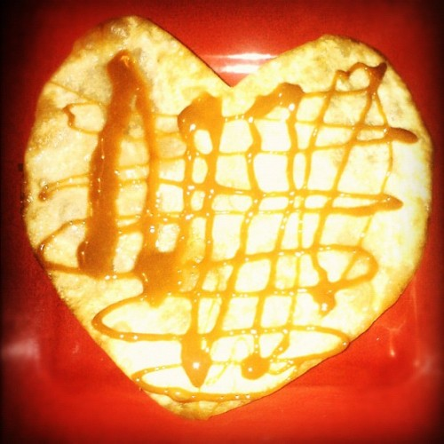 💛#Heart shaped sweetie pie! #yum #orgasmic 😜 #food #caramel #tortilla #cute #delicious 🍰🍞 #piff #red #frybread  (Taken with Instagram)