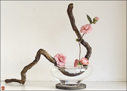 soredemonao:  The art of Ikebana itself.