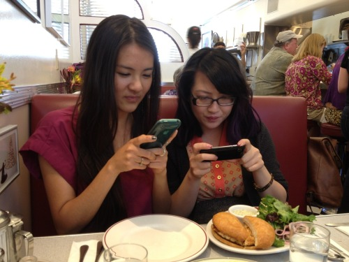 && AGAIN!! Featuring intern Judy & Yen! picsofaznstakingpicsoffood:  AlbertMing interns at Bette's Oceanview diner, Goodbye & good luck, Yen (Version 2) !