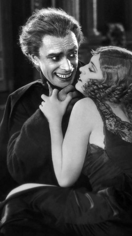 The Man Who Laughs, 1928. Directed by Paul Leni Gwynplaine's fixed grin and disturbing clown-like appearance was a key inspiration for comic book talents writer Bill Finger and artist Bob Kane in creating Batman's greatest enemy, The Joker.