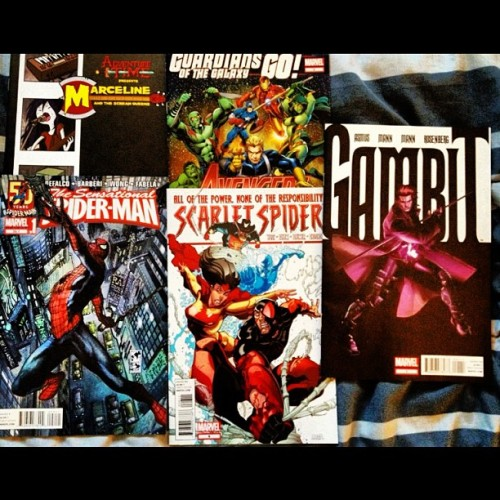 #NewComics!!! #AdventureTime #SpiderMan #Avengers #ScarletSpider #Gambit #Marvel #Comics  (Taken with Instagram)