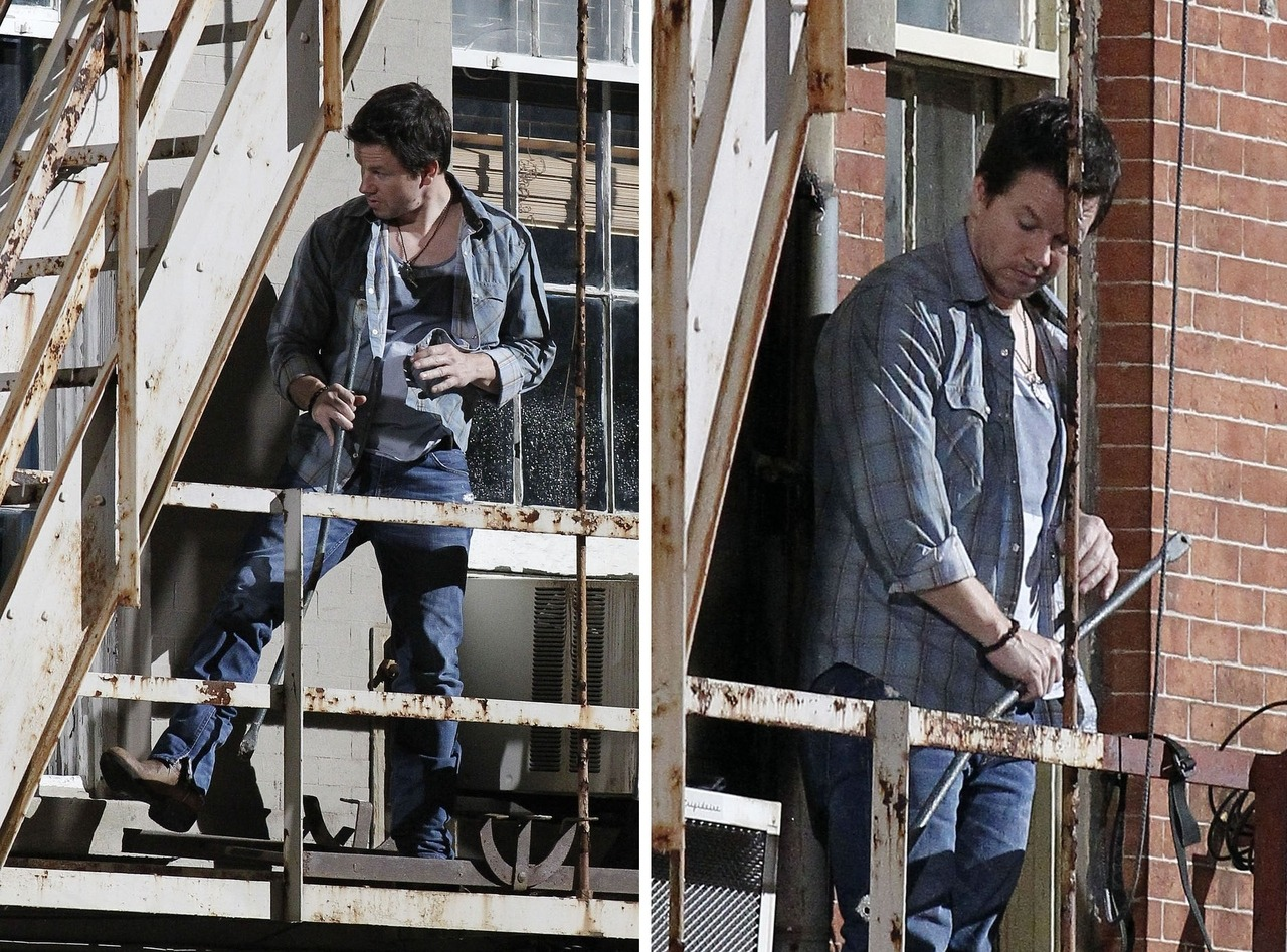 verysherry:  Mark Wahlberg filming '2 Guns' in New Orleans