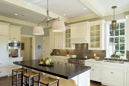georgianadesign:  Pennsylvania farm house kitchen. Dewson Construction Company.