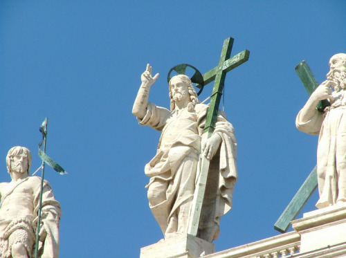 yellowcountry:  The Apostles atop St. Peters