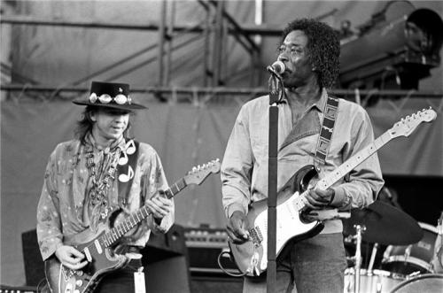 useyourdelusion:  Buddy guy and stevie ray vaughn