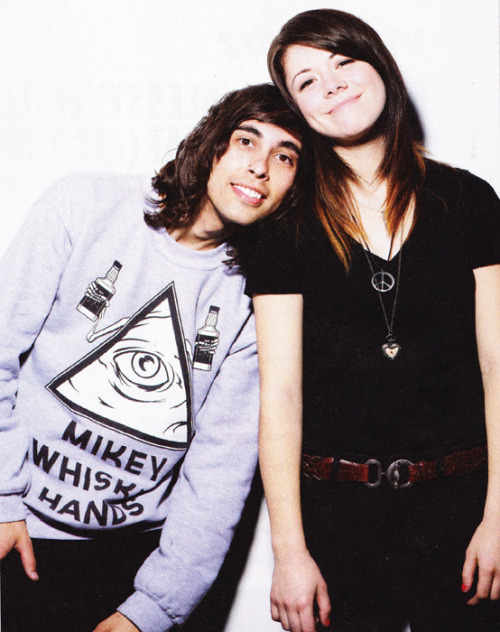 taylor jardine and vic fuentes dating simulator