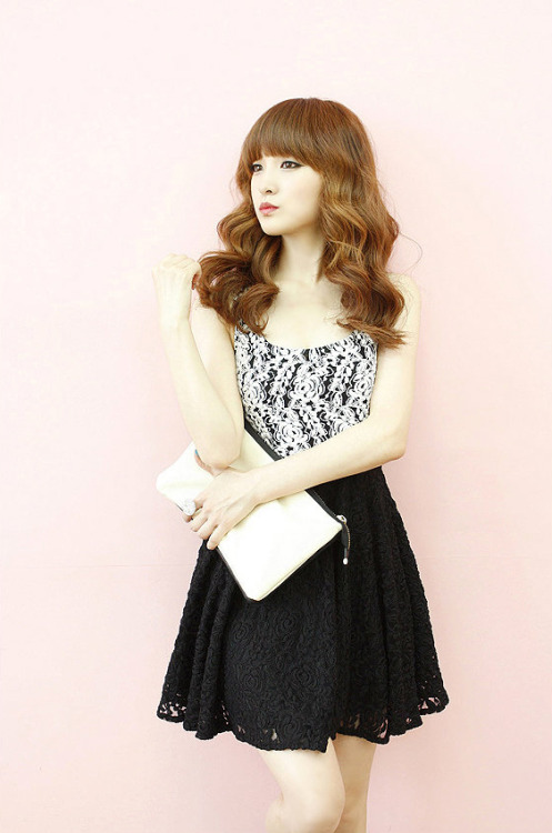 Color-Block Sleeveless A-Line Lace Dress by Dodostyle
