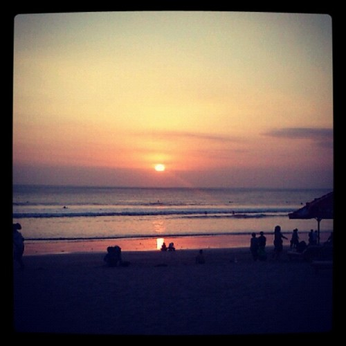 Im ready for tomorow when i see sun goes down #sunset #sun #bali #instagram #iphonesia  (Taken with Instagram)