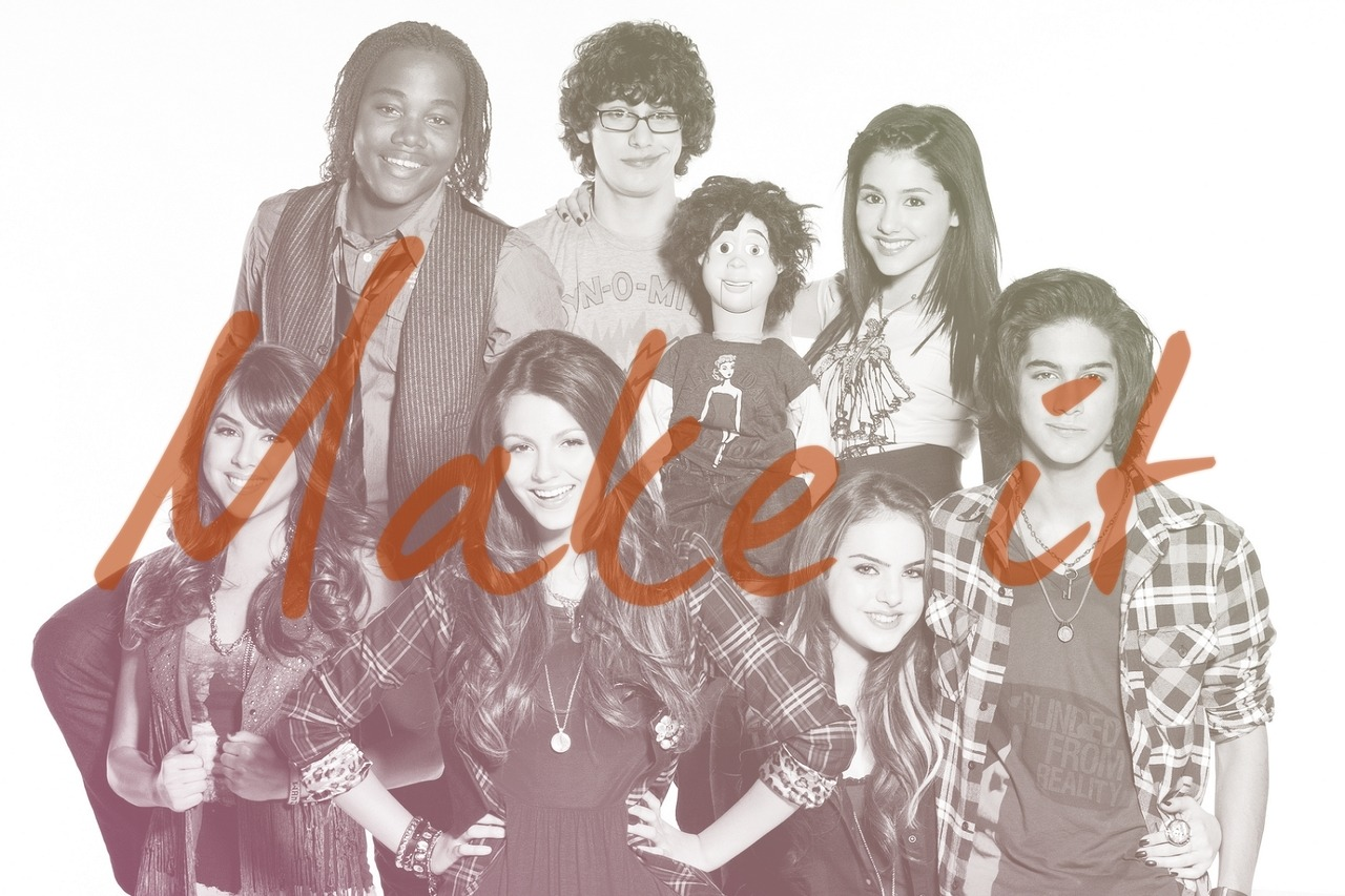 redpaperblossom:   Goodbye Victorious.  Thank you to Dan Schneider and the entire cast & crew of Victorious for creating this amazing TV show. We're very grateful.