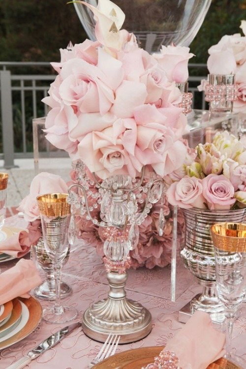 Great table setting for a wedding or wedding shower