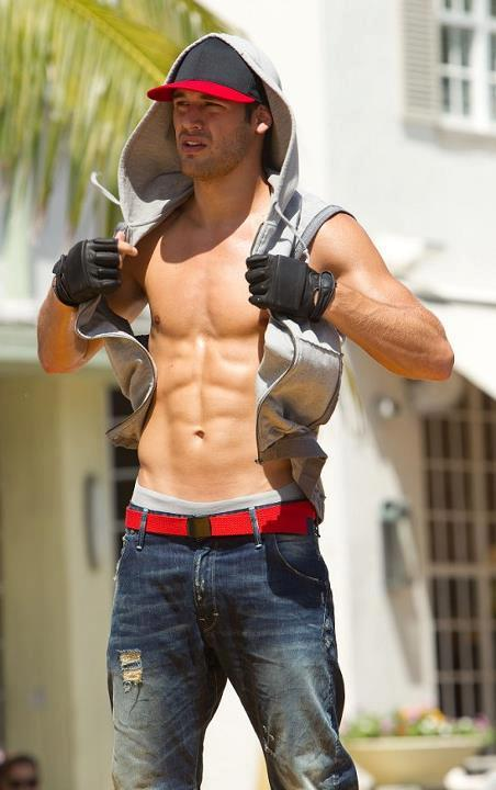 Reason why I should watch STEP UP REVOLUTION again! I need some dose of RYAN!