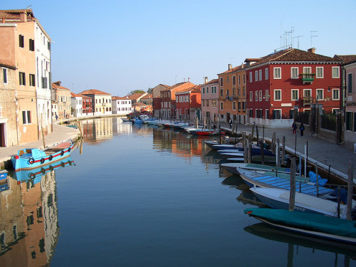 evysinspirations:  Murano, Venezia by *Lauretta* on Flickr. Murano, Veneto, Italy