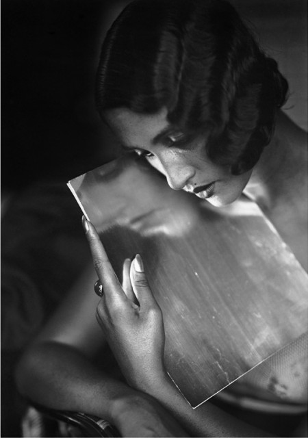 Renée Perle by Jacques Henri Lartigue [1930]