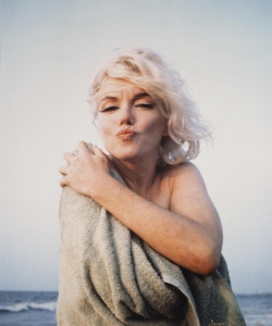 thebeautyofmarilyn:  Marilyn photographed by George Barris, 1962