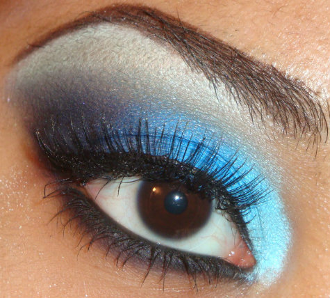 My Bold Light to Dark Blue Eyeshadow Tutorial Using Coastal Scents 88 palette here  http://youtu.be/hOk5bGNfZC8 you can see more of my tutorials here http://www.youtube.com/user/makemeupbywhitney