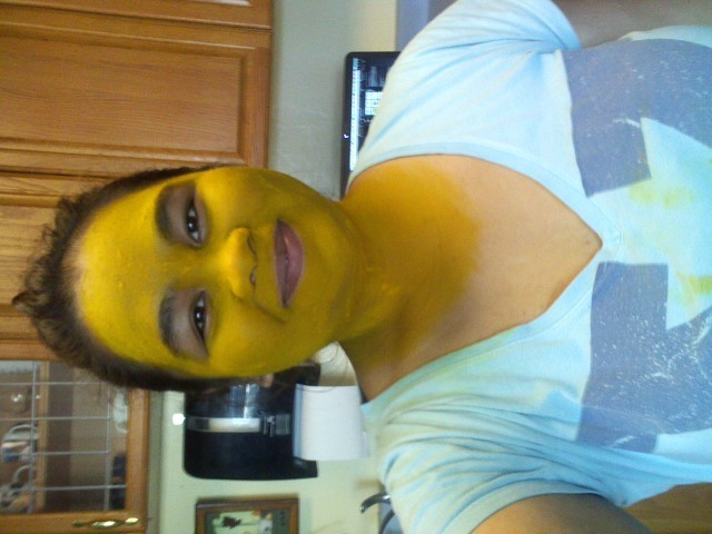 Natural Alternative for whitening achechebureche :p I'm pampering myself, peeps 8-)