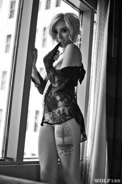B/W by window: @alyshanett by Wolf189 (@wolfphoto) 80+ more photos & videos of  Alysha  here  ** Please don't remove the credits and links. Thank you. ** Models , Order Prints , FAQ , about Wolf189 ,  Archive , Most recent videos