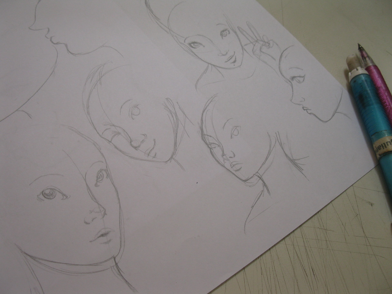 More studies!  See more on my blog! :D http://dropsdeilustracao.blogspot.com.br/