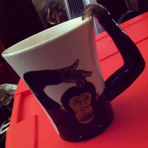 besharam:  Can we all just take a moment to appreciate my new coffee mug? #monkey #coffee #mug #cup #cute #love (Taken with Instagram)