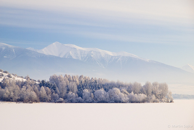 isawatree:  Winter Symmetry in the Cold Morning ~ Liptov, Slovakia by Martin Sojka .. www.VisualEscap.es on Flickr.