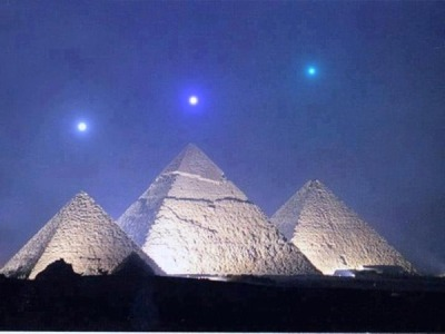 Planetary alignment that will take place Dec 3, 2012 is dead-on alignment with the Pyramids at Giza.