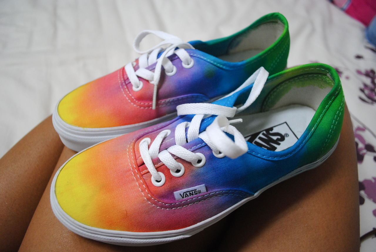 crazed-kids:  BUY ME THESE SOMEBODY  no