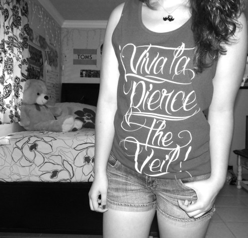 heartrunaway:  My Pierce The Veil tank C:
