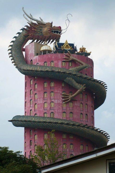 sugarmeows:  A temple in Wat Sampran, Thailand
