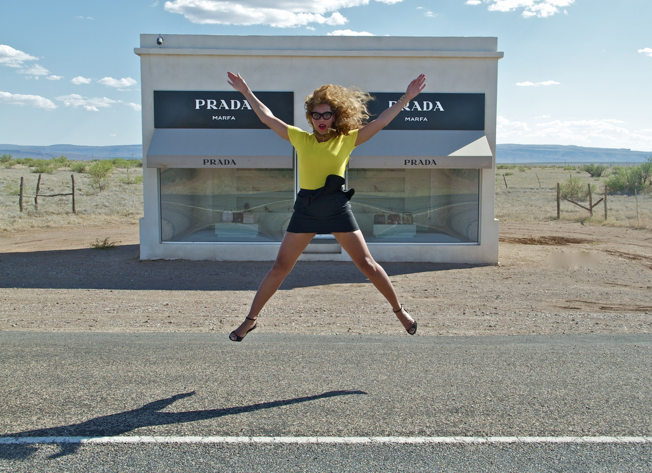 Reblog of the day: Beyonce's amazing pictures of Marfa, TX and The Chinati Foundation make us wanna skip town and head towards the desert!