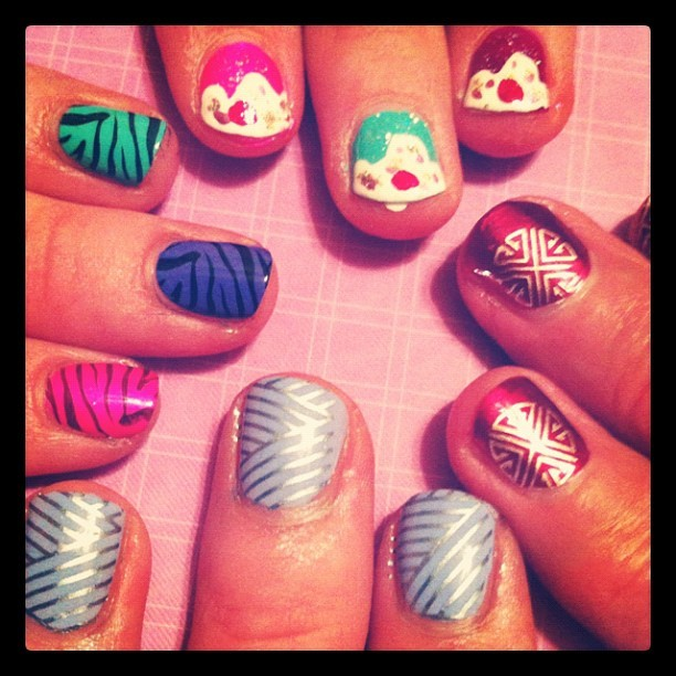 #nailart #party #cupcakes #nailpatterns #art #nails #paintingnails #gno #girlsnight (Taken with Instagram)